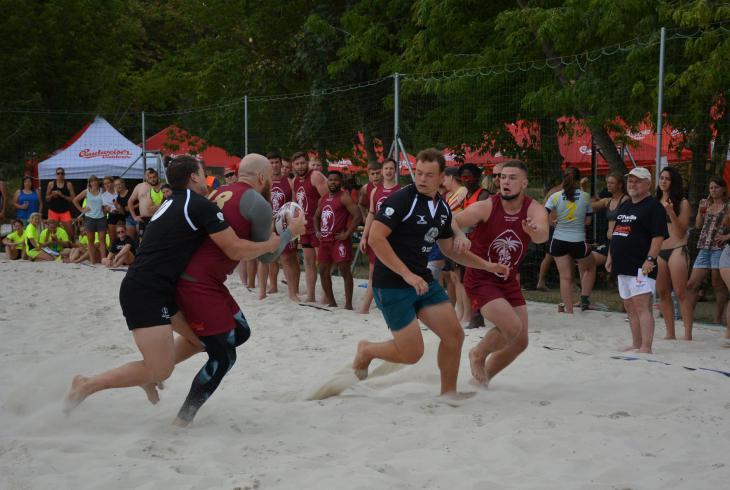 Osmnáctý ročník plážového ragby v areálu Ládví vyhráli borci Sparty a ženy ze čtyř klubů