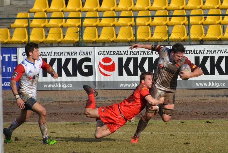 Čeští ragbisté vyhráli nad Švýcarskem 17:13 a ve druhé divizi ME poskočili na třetí místo