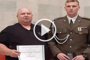 Ragbyový reprezentant Jan Kohout převzal armádní vyznamenání za účast na misi