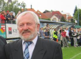 Sedmdesátiletý zakladatel havířovského ragby Karel Gaman