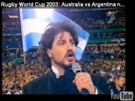 Zpěvák Jose Cura  nejsilnější atmosféru zažil při zpěvu hymny na ragbyovém stadiónu